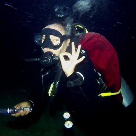 Stingray Divers - PADI Spezialkurs Nachttauchen
